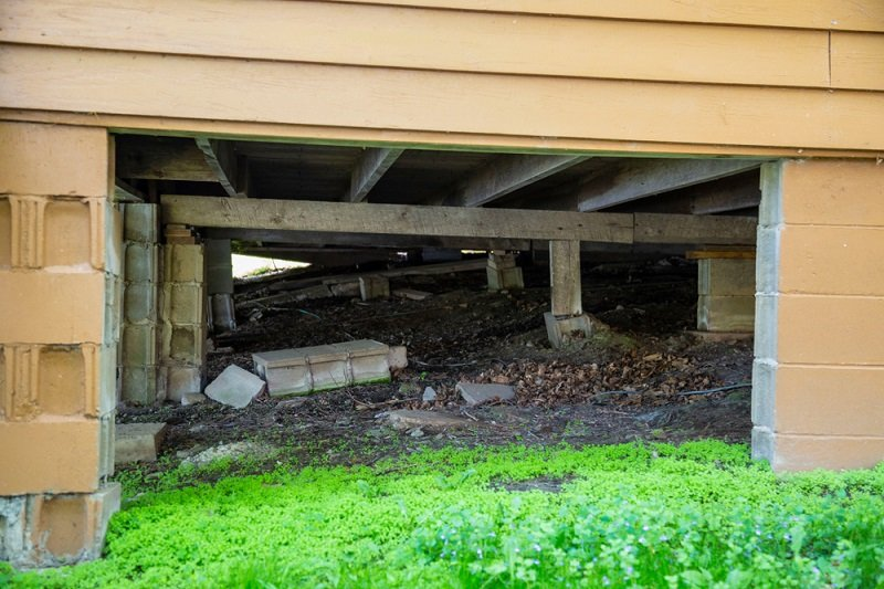 crawl space safety tips