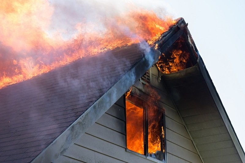where to put smoke detector in house