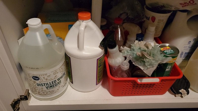 cleaning products not to mix with bleach