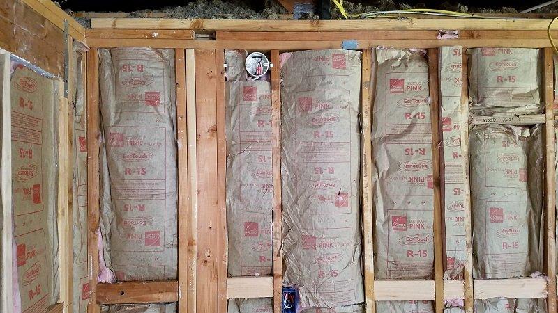 pink fiberglass blanket insulation