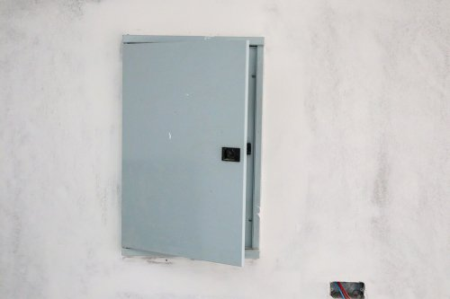 are magnets on breaker box electrical panel safe