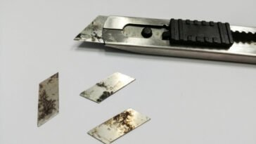 how to get rid of old utility knife blade