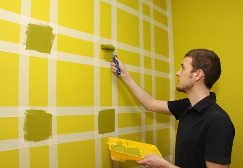how long to wait before putting painters tape over fresh paint