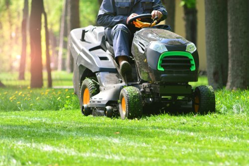 Best Lawn Tractor Batteries For The Money