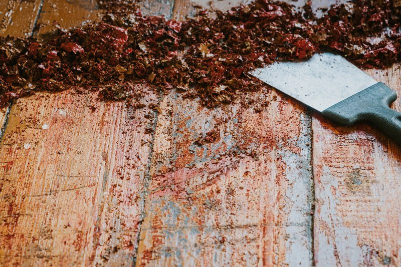 Tools You Need to Remove Paint From a Deck