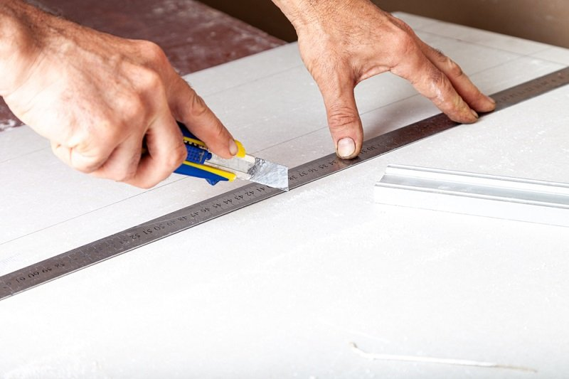 Can You Cut Ceiling Tiles With a Utility Knife?