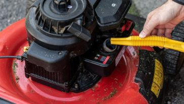 how to clean lawn mower gas tank